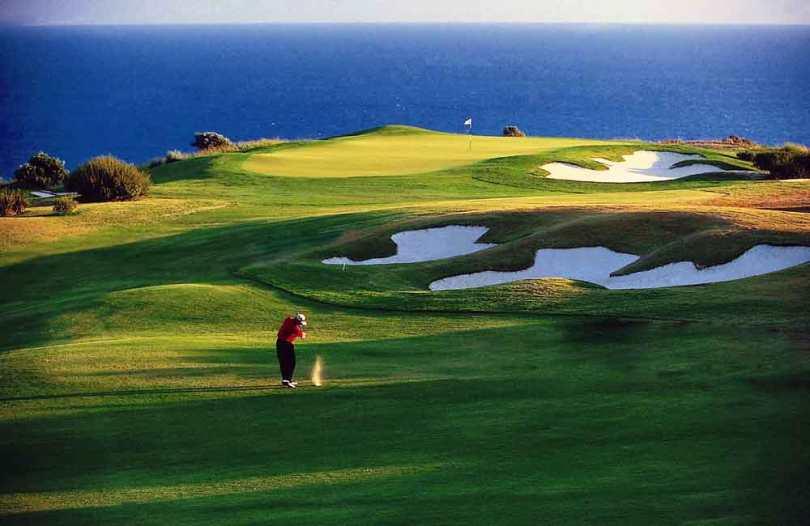 Zypern: Golfclub Aphrodite Hills. Hier spielen russische Oligarchen und reiche Touristen aus Großbritannien und besprechen ungestört ihre Geldgeschäfte (Foto: Zypern Tourismus)